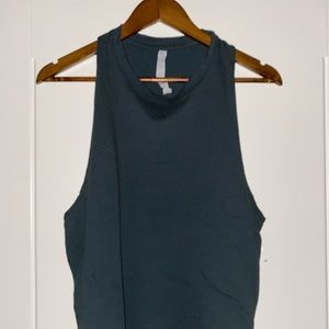 Alo Yoga Low Arm Activewear Forest Green Tee